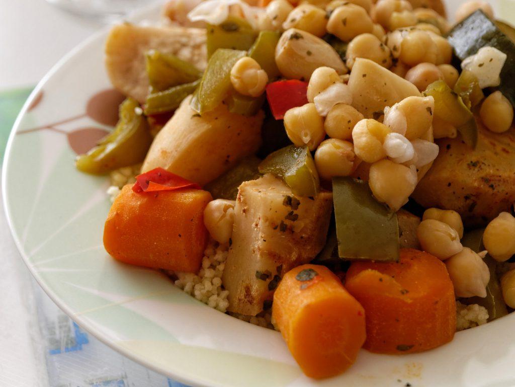 Le couscous est un plâts délicieux auquel chacun peut apporter des modifications.